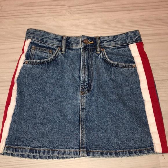 4f5dc0b5db4 Denim mini jean skirt with white and red stripes